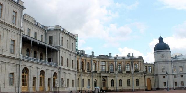 Реставрация Гатчинского дворца продолжается.