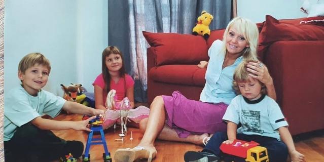 Валерия с детьми.
