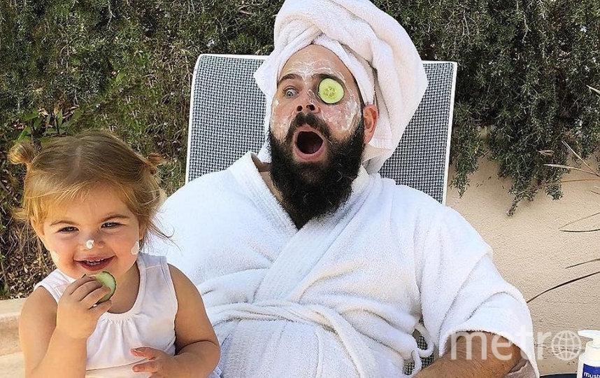 Шолом Бер Соломон прославился, размещая в Instagram забавные фото с дочками. Фото www.instagram.com/sbsolly