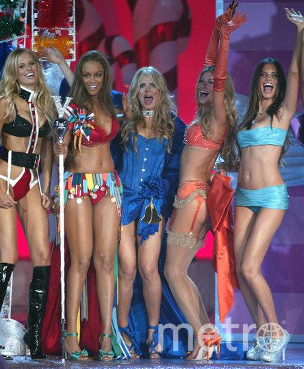 Хайди Клум с другими топ-моделями Victoria's Secret. Фото Getty