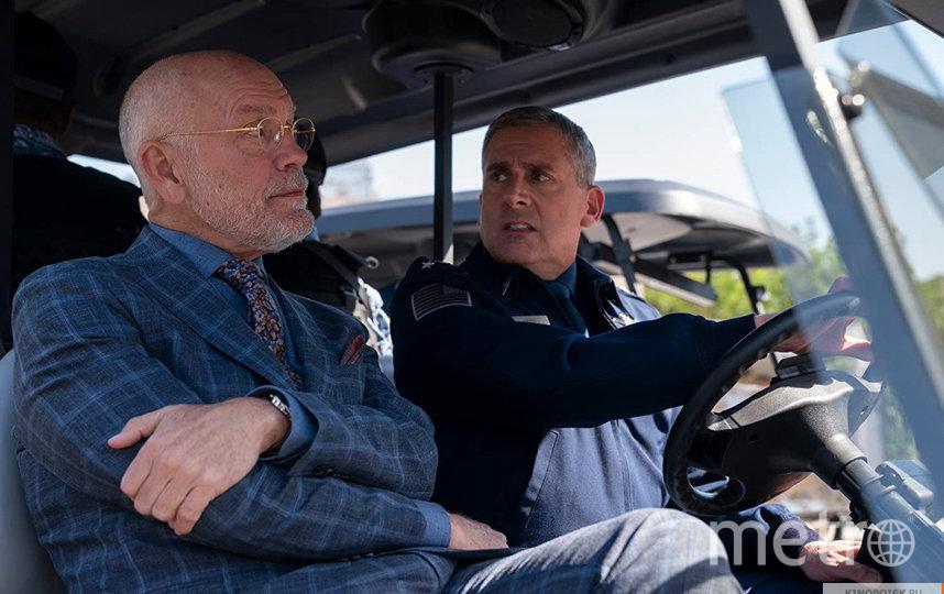 Джон Малкович и Стив Карелл. Фото Кадр из сериала., kinopoisk.ru