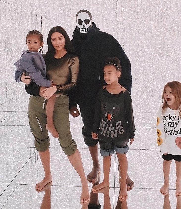 Ким и Канье проводят много времени с детьми. Фото instagram.com/kimkardashian