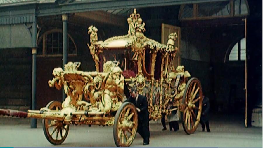 Карета, которую использовали в день коронации. Фото скриншот с трансляции коронации
