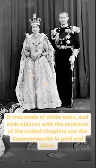 Королева Елизавета II и принц Филипп в день коронации. Instagram семьи рассказал о её платье, сшитом из белого сатина. Фото Instagram @theroyalfamily