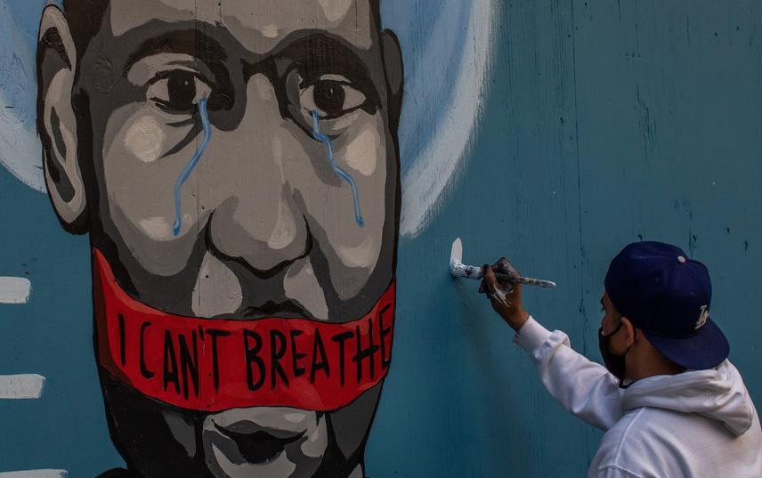Портрет Джорджа Флойда в Лос-Анджелесе. Фото AFP