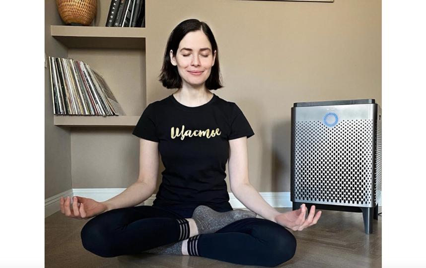 Юлия пытается освоить медитацию. Фото www.instagram.com