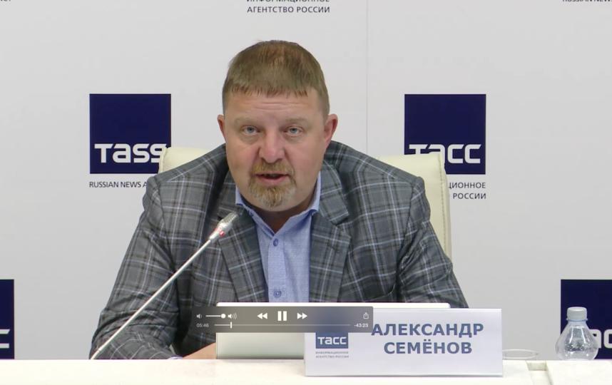 """Александр Семенов. Фото скрин-шот, """"Metro"""""""