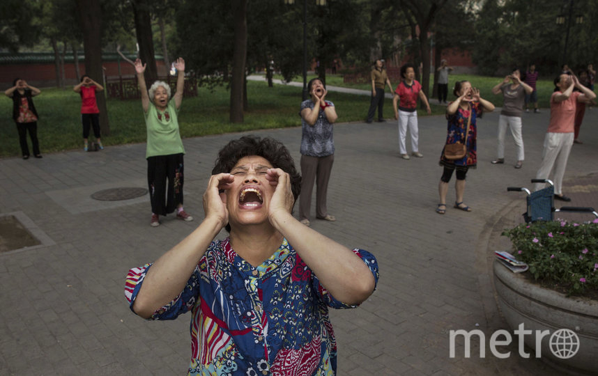Теперь в Пекине запрещано громко кричать. Фото Getty