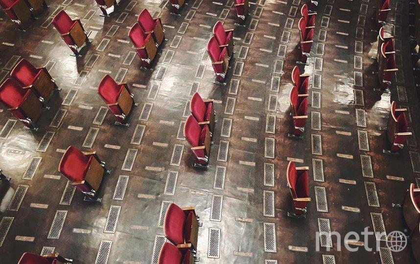 """Обновлённый зал театра Berliner Ensemble. Фото www.instagram.com/blnensemble/, """"Metro"""""""