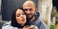 Самойлова снова надела обручальное кольцо после заявлений о разводе с Джиганом