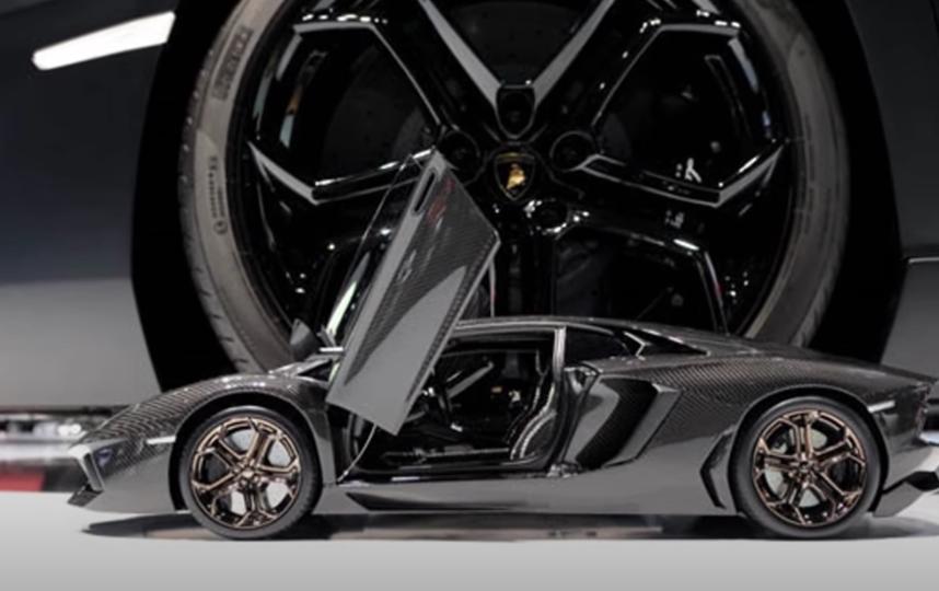 """Такая машинка стоит дороже многих реальных авто. Фото YouTube-канал @Manel Top, """"Metro"""""""