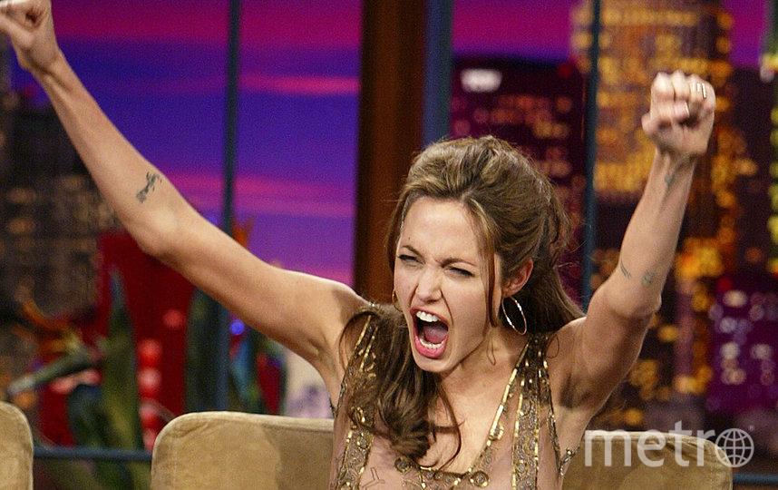 """Анджелина Джоли на """"Ночном шоу с Джейем Лено"""" 16 марта, 2004. Фото Getty"""