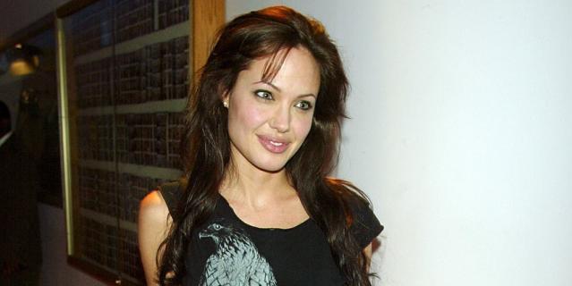 Анджелина Джоли, 2003 год.