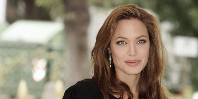 Анджелина Джоли, 2004 год.