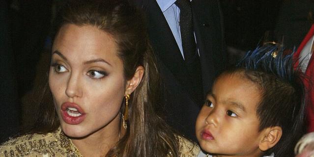 Анджелина Джоли с Мэддоксом, 2004 год.