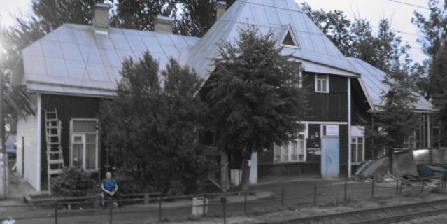 Старинный вокзал в Токсово до ремонта.