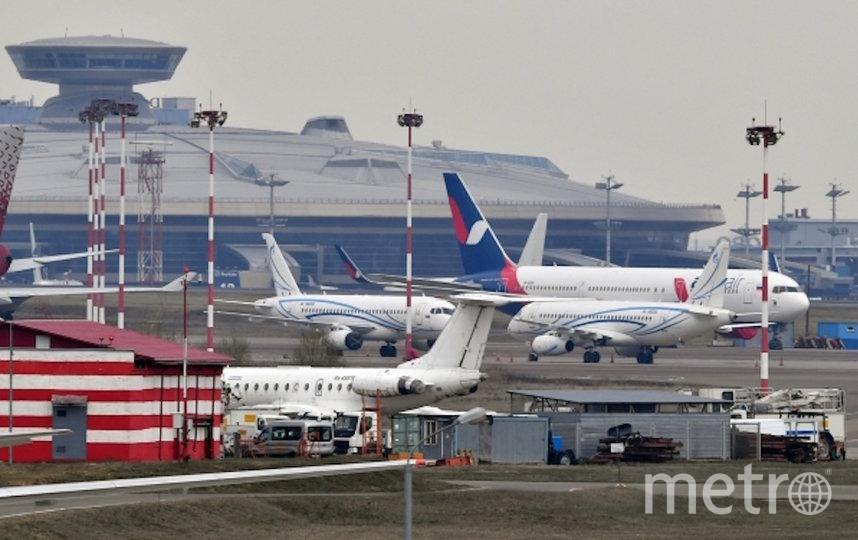 Самолёты на стоянке в аэропорту Внуково. Фото РИА Новости