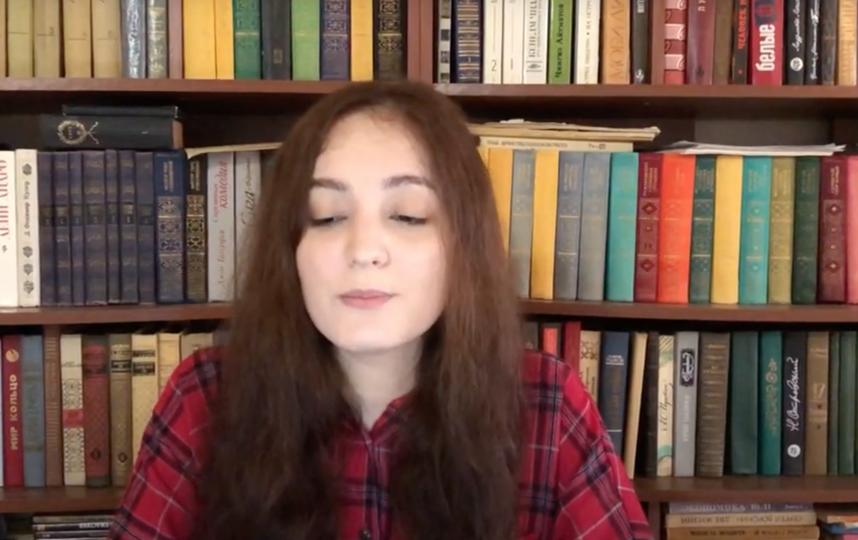 """Лейла Макитова. Фото кадр из лекции., """"Metro"""""""