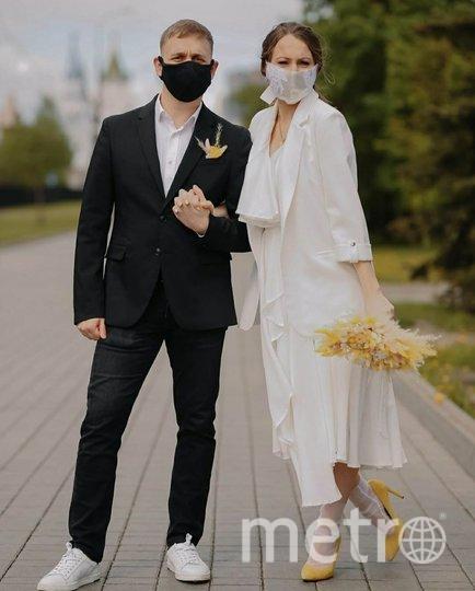 Маски масками, а быть стильными молодожёнам никто не запрещал! Фото Кирилл Панов