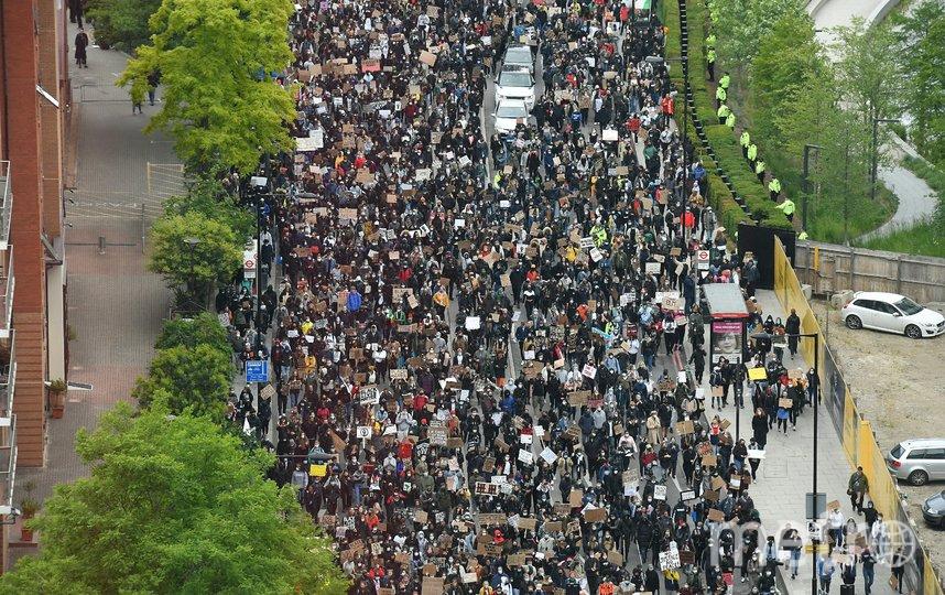 В столице Великобритании прошли протесты, вызванные смертью афроамериканца Джорджа Флойда в Миннеаполисе. Фото AFP