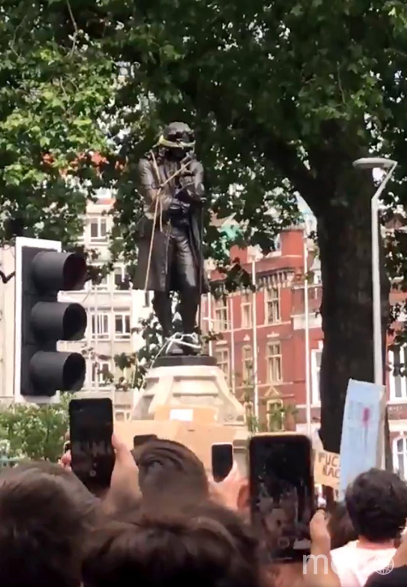 Статуя Эдварда Колстона. Фото AFP