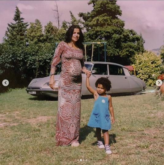 Тина Кунаки с маленькой Тиной. Фото скриншот Instagram @tinakunakey