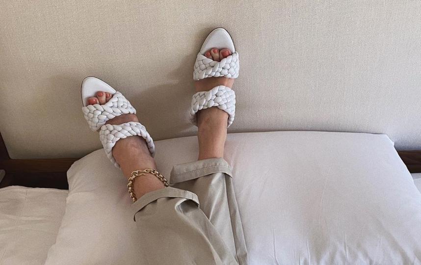 Metro собрало 8 моделей летней обуви, модной в этом сезоне. Фото instagram.com/rosiehw