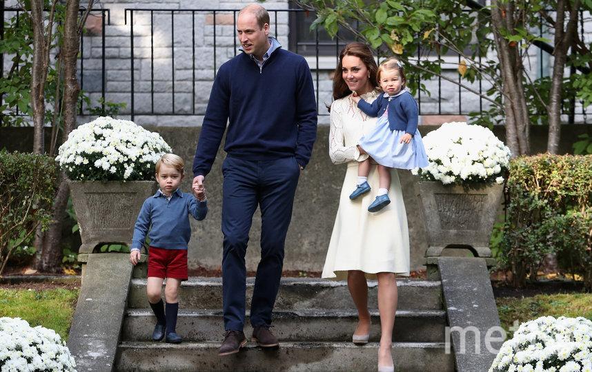 Кейт Миддлтон с принцом Уильямом и детьми. Фото Getty