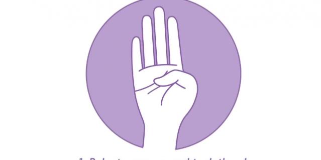 Жест, с помощью которого можно попросить помощи: выставить ладонь и спрятать большой палец.