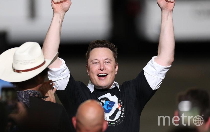 Илон Маск празднует успешный запуск космического корабля Crew Dragon. Фото Getty