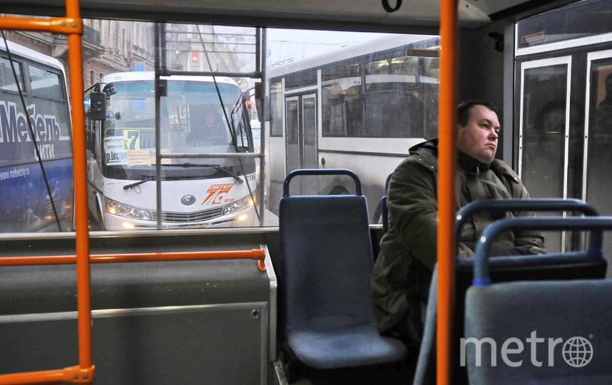 Дополнительные маршрутки запускают в Петербурге. Фото Интерпресс