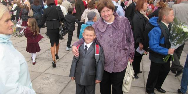 Галина Циммерман с младшим внуком Костей.