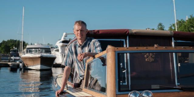 С катера Константина Семухина видами Петербурга любовались Николь Кидман и Рэйф Файнс.