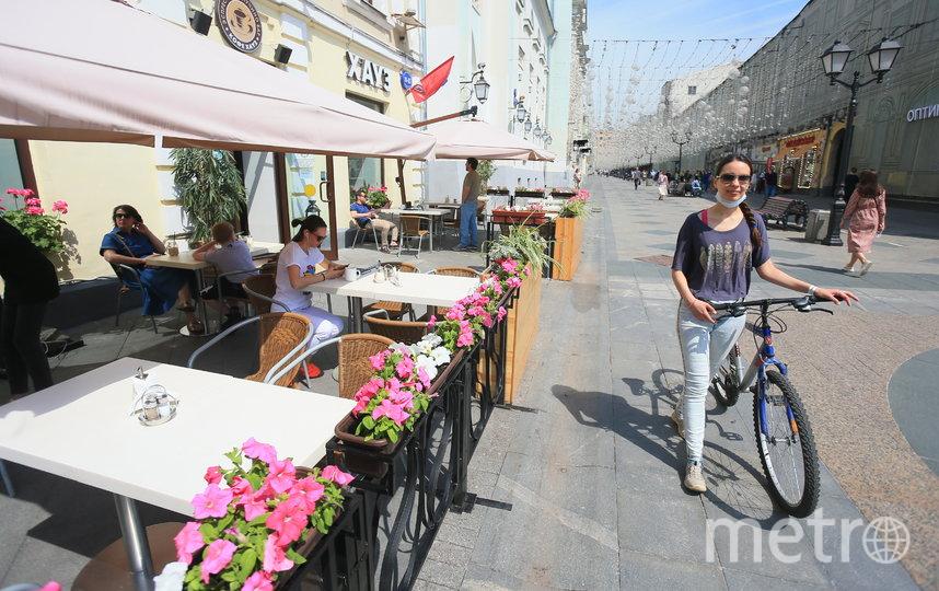 Все посетители кафе в один голос говорят, что очень соскучились по заведениям. Фото Василий Кузьмичёнок