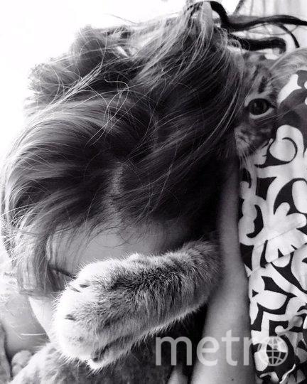 "Анна и котик. Фото https://www.instagram.com/chi_pa/, ""Metro"""