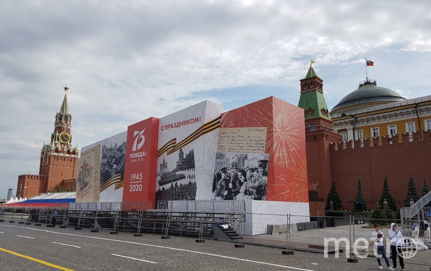 Красную Площадь к Параду Победы уже украсили. Фото Василий Кузьмичёнок