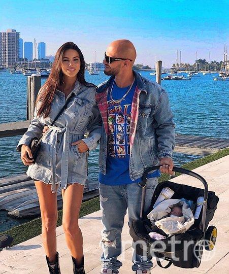 Оксана Самойлова и Джиган с сыном. Фото instagram.com/samoylovaoxana.
