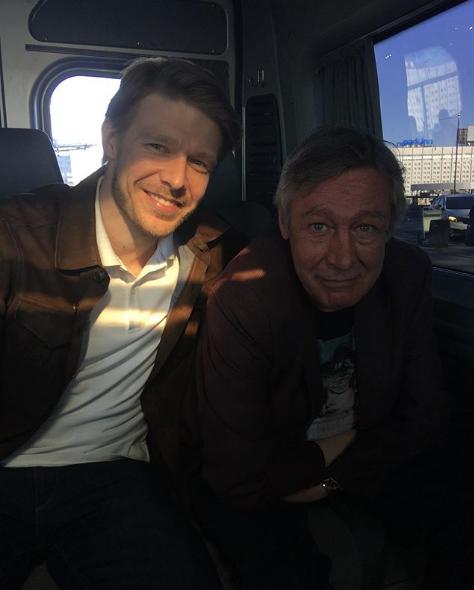 Никита Ефремов и Михаил Ефремов. Фото скриншот https://www.instagram.com/p/CBiPjx4Clyl/