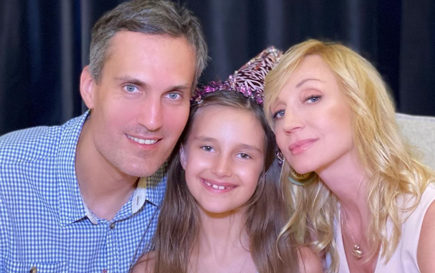 Кристина Орбакайте, её муж Михаил Земцов и дочь Клава. Фото Instagram @orbakaite_k