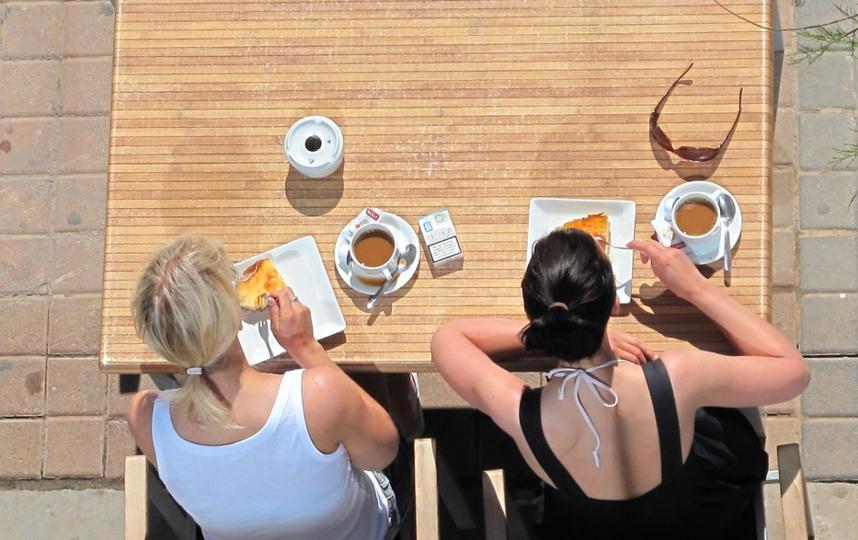 """Кафе на улице могут открыть уже 29 числа. Фото pixabay.com, """"Metro"""""""