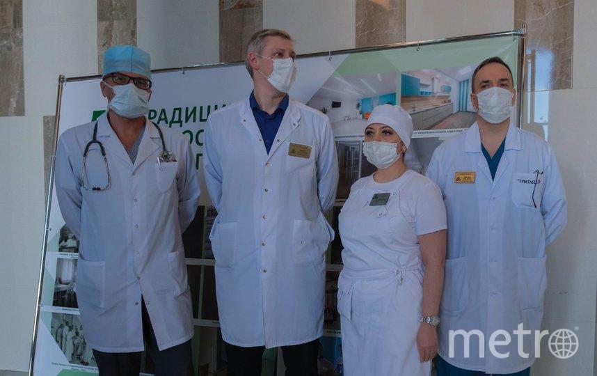 """Игорь Менакер - крайний справа. Фото """"Metro"""""""