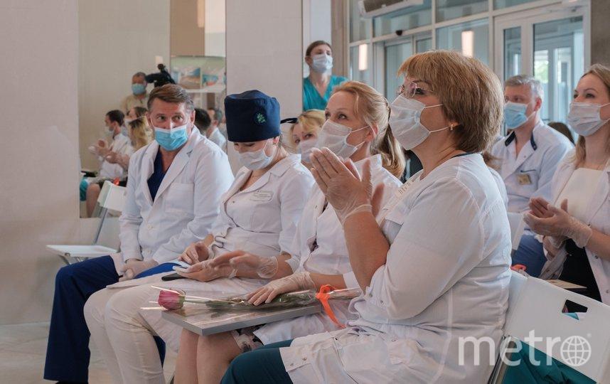 """Награждение медиков больницы Святого Георгия. Фото Алена Бобрович, """"Metro"""""""