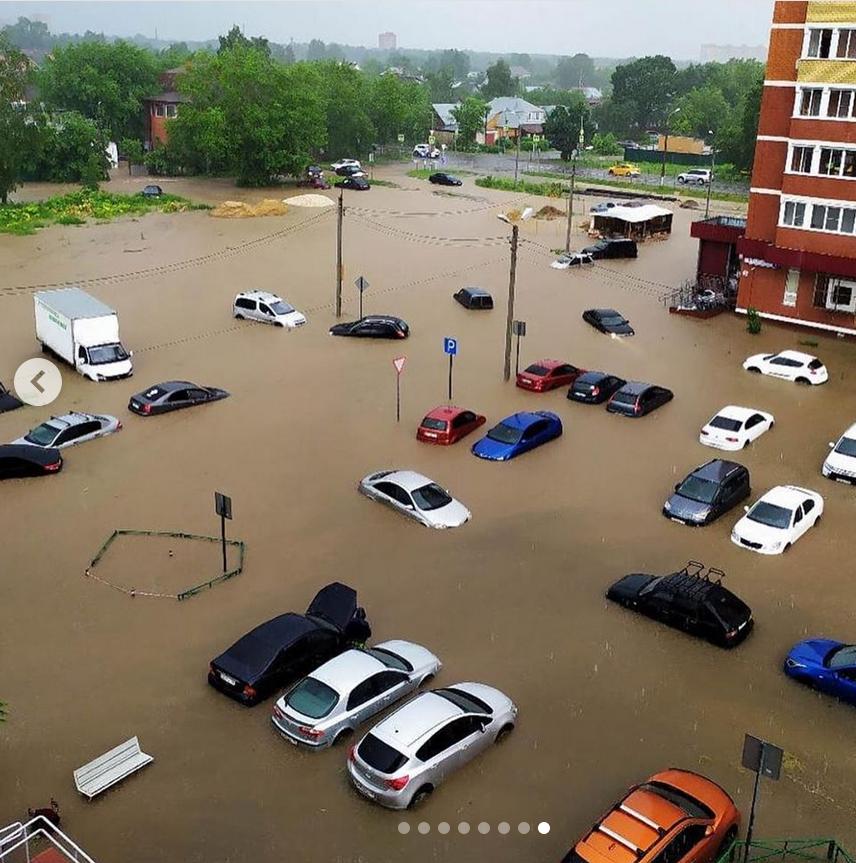 В Москве потоп. 20.06.2020 г. Кто хотел в Венецию? Получайте. Фото Instagram @beauty_school_msc