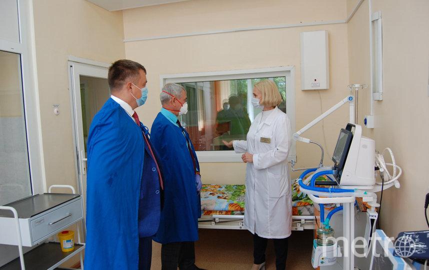 Директор Абаканского филиала Андрей Аплошкин лично передал мониторы для ИВЛ республиканской инфекционной больнице.Сами аппараты приобрела местная власть. Мониторы доукомплектовывают реанимационное оборудование.