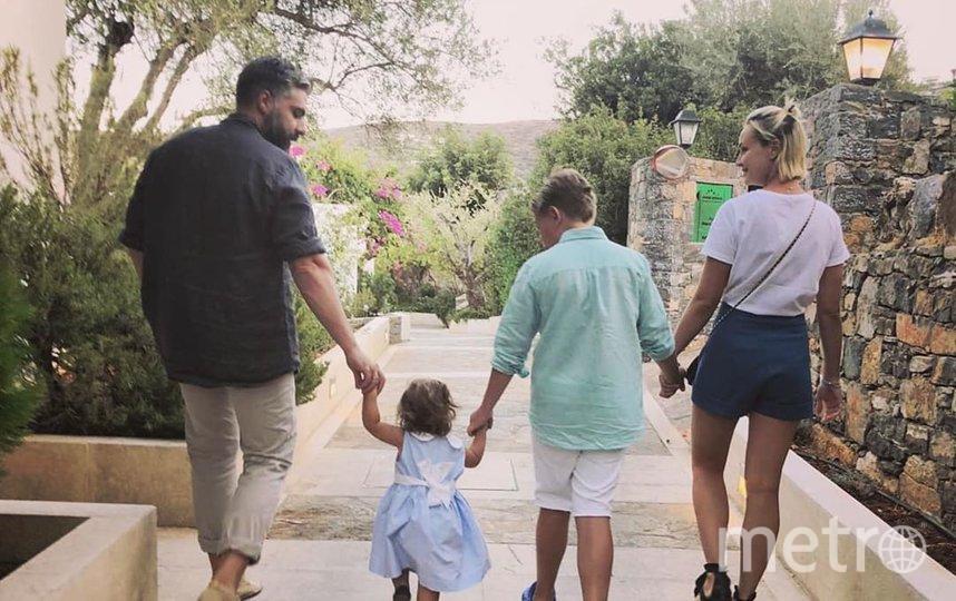 Полина Гагарина и Дмитрий Исхаков с детьми. Фото instagram.com/isxakov.