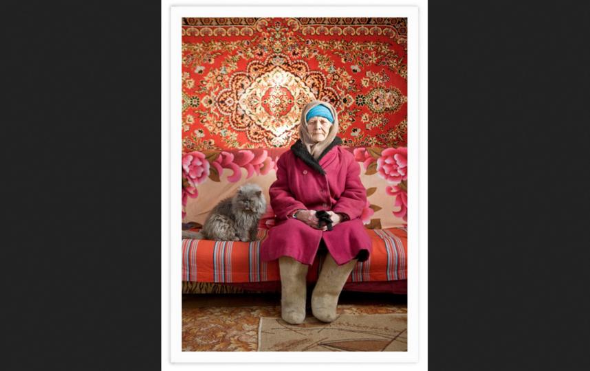 Эту милую бабушку Хемфорт снял в деревне Будущее (Тверская область). Фото Франк Херфорт / frankherfort.com