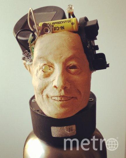 Так, по мнению Спиренкова, будет выглядеть Илон Маск, подключённый к искусственному интеллекту. Фото Алексей Спиренков