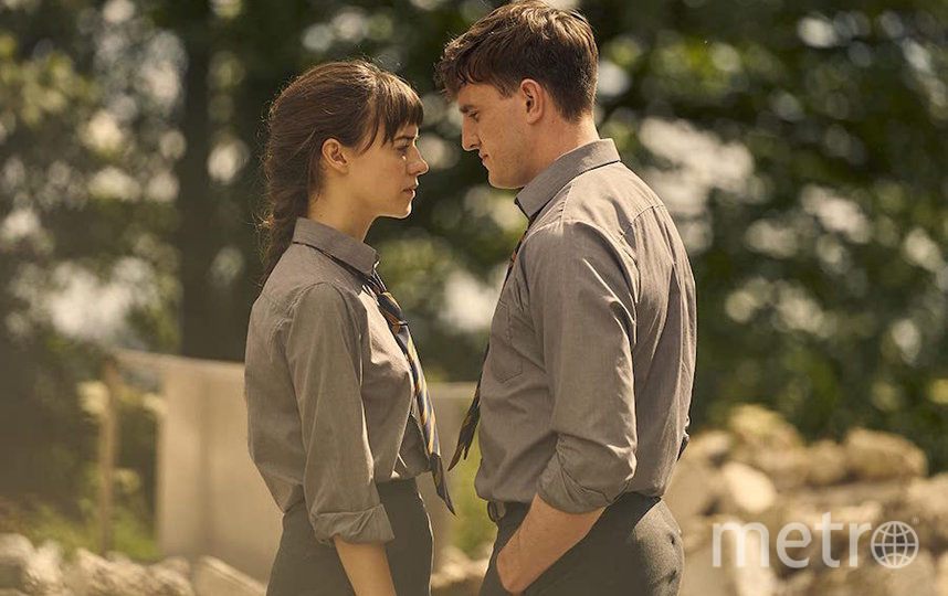 Конелл и Марианна. Фото кадр из сериала