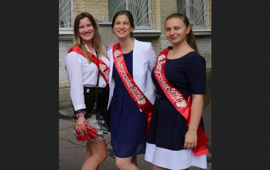 """Слева направо: Маша, Катя и Дарьяна. Фото """"Metro"""""""