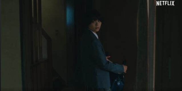 """Кадр из сериала """"Проклятье: Начало""""."""